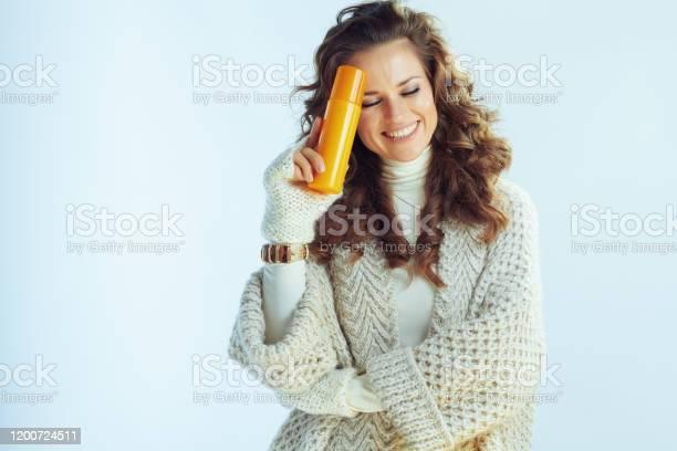 Smiling elegant middle age woman with suntan lotion picture id1200724511?b=1&k=6&m=1200724511&s=612x612&h= gnnwewx3gnrbw5gjkzqgx8rolj3ffif1vydp0yyn9u=