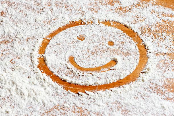 Smiling face on flour圖像檔
