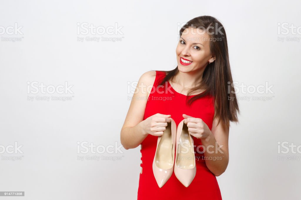 47904be48989 Lächeln auf den Lippen Glanz kaukasischen modische junge lächelnde braune  Haare Frau im roten Kleid mit