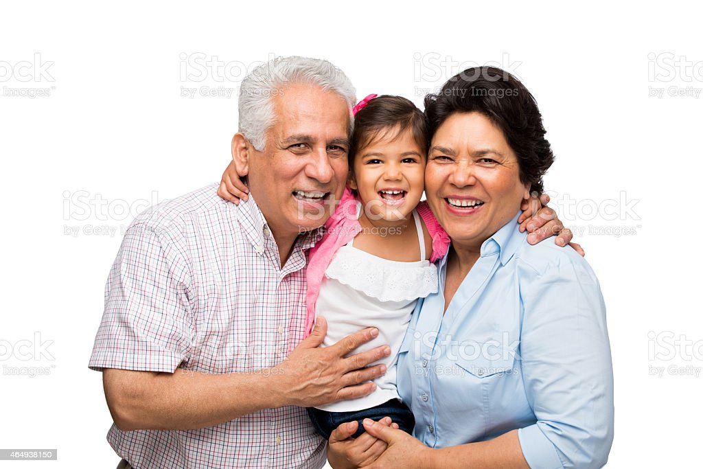 Sonriente con abuelos granddaughter - foto de stock