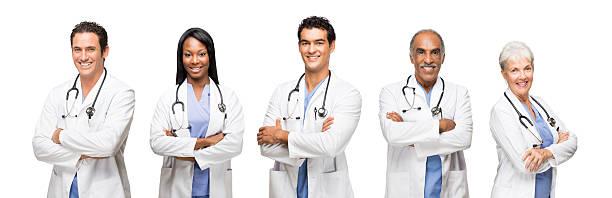 Lächelnd medizinische Arbeiter mit ihre Arme verschränkt – Foto