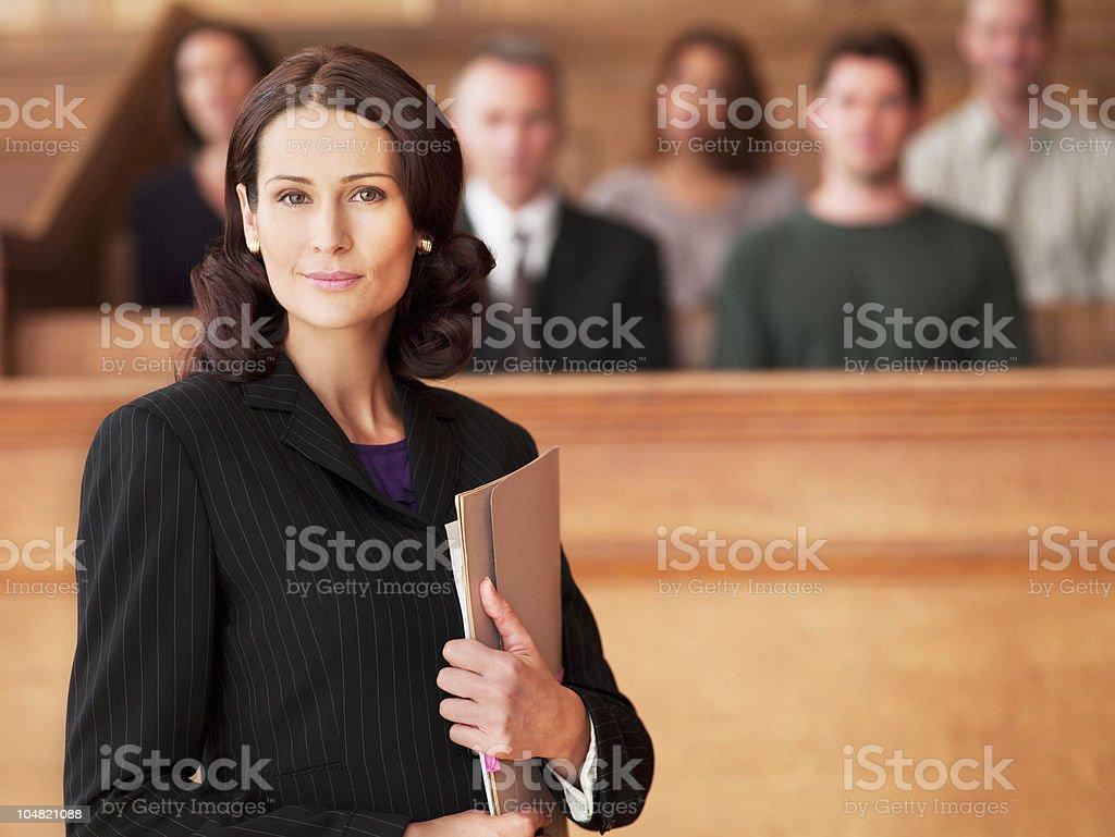 Lächeln Anwalt, die Datei im Gerichtssaal – Foto