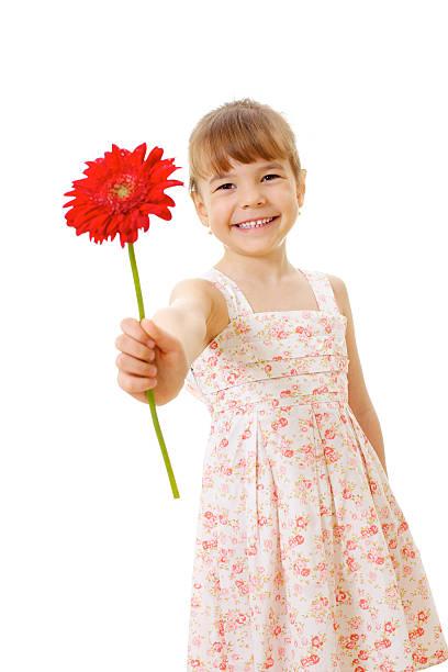 Lächeln wenig Mädchen mit Rote Blume – Foto