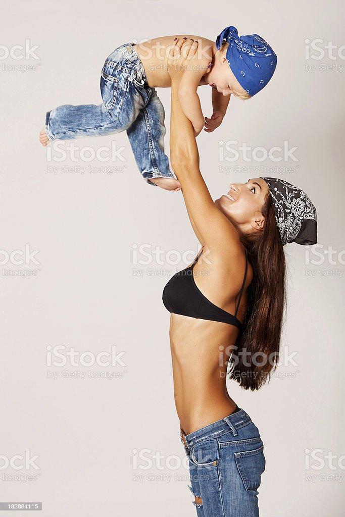 Lächelnd Mutter und ihr Kind – Foto