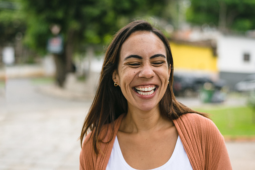 Smiling woman in the city