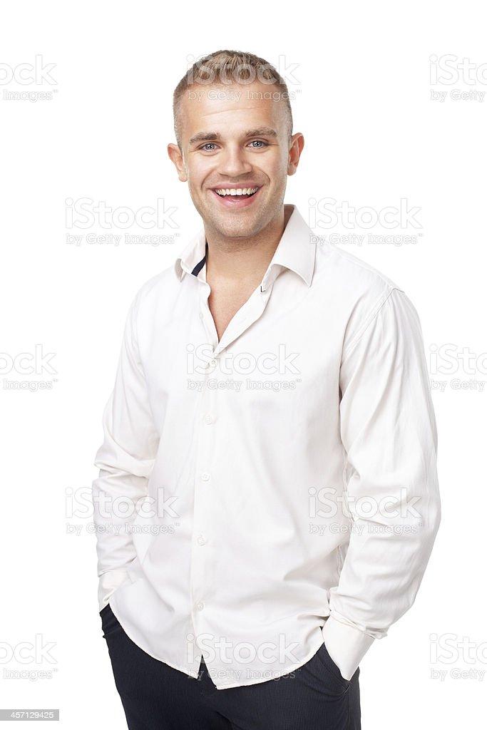 f06fa0f795 Ritratto Di Un Sorridente Giovane Uomo Che Indossa Una Camicia ...