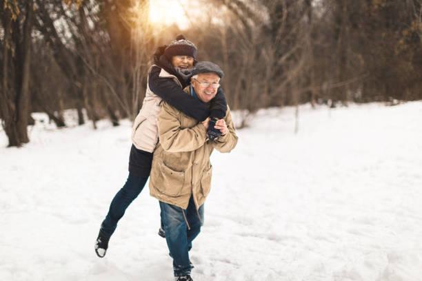 i smiply love you - schneespiele stock-fotos und bilder