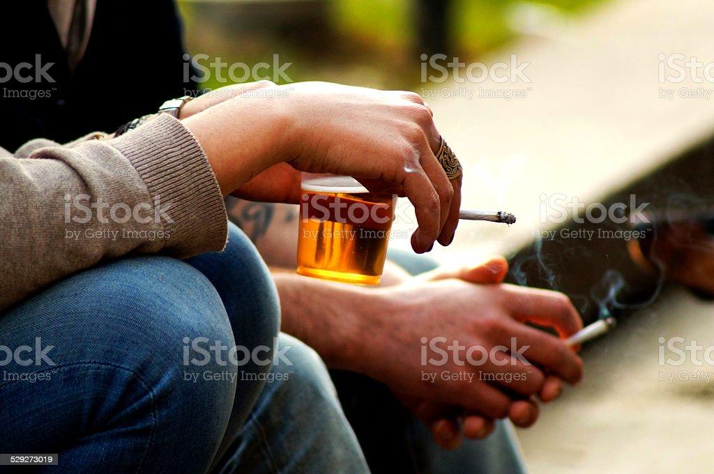 Fumo e birra - foto stock