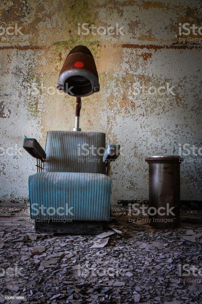 Photo Libre De Droit De Fumee De Pause Dans Le Salon De