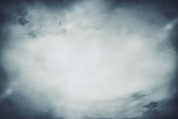 tekstura dymu na pustym czarnym tle - upiorny zdjęcia i obrazy z banku zdjęć