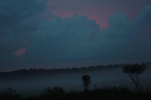 smoke twilight - lenticular stock-fotos und bilder