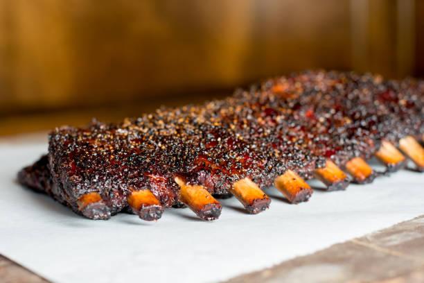 Fumado churrasco costelinha de porco - foto de acervo