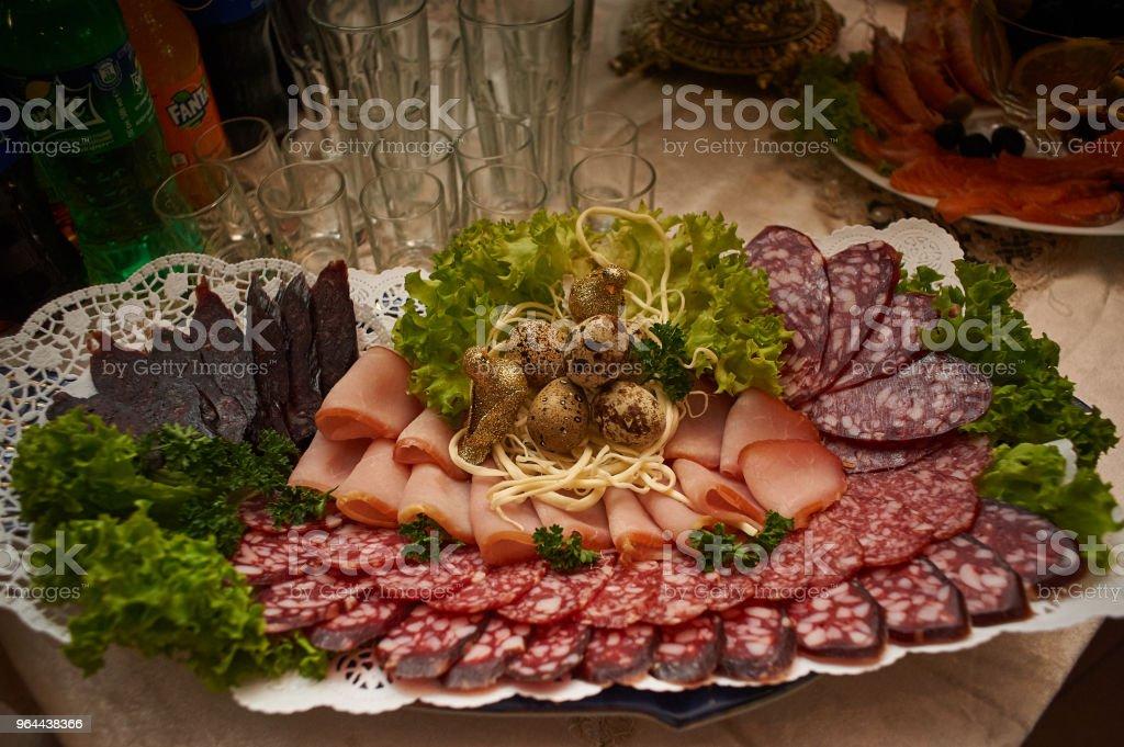 Defumado, salsicha, presunto e greens - Foto de stock de Acima royalty-free