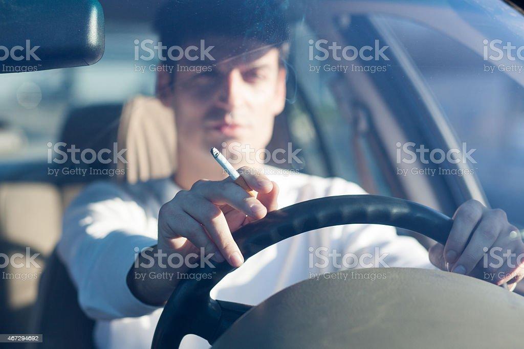 Raucher- und Fahren – Foto
