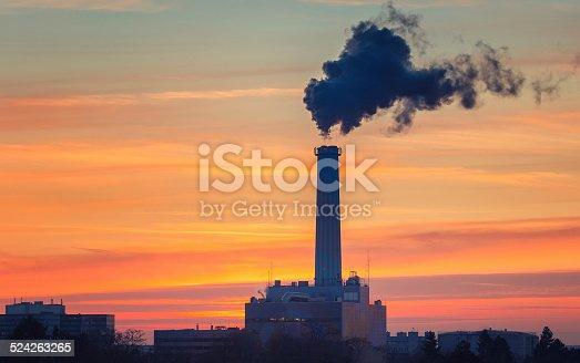 istock Smoking pipe 524263265