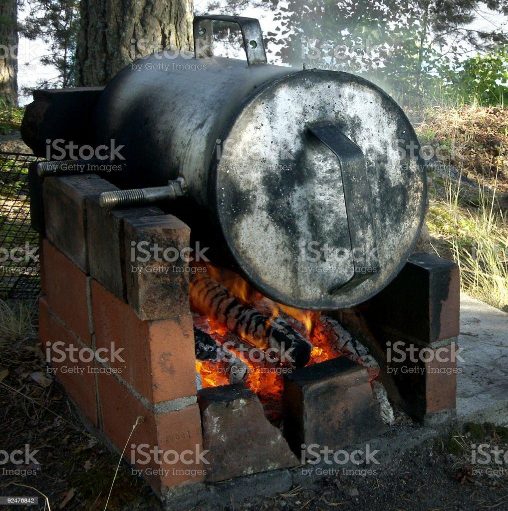 Rauchen Lachs mit offenem Kamin Lizenzfreies stock-foto