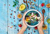 新鮮な果実、ナッツ、種子、果物、野菜のスムージー ボウル