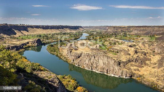A nice day overlooking the Sanke River Canyon in Twin Falls, Idaho, USA