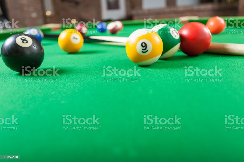 Snooker ball and stick on billiard table – Foto