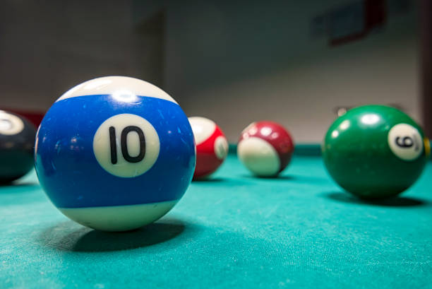 snooker balls on a table - cue ball stock pictures, royalty-free photos & images