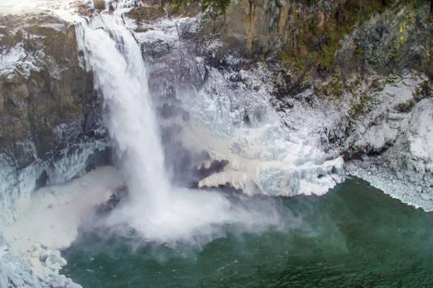 cascate del passo di snoqualmie - snoqualmie foto e immagini stock
