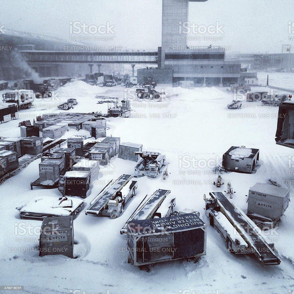 Aeroporto Jfk : Foto de neve blizzard em nova york aeroporto jfk e mais banco de