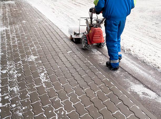 Snow blower picture id153760291?b=1&k=6&m=153760291&s=612x612&w=0&h=ci6hnvnnyc24e7sddxceriihhpotsppqy2dfkj2mgfk=