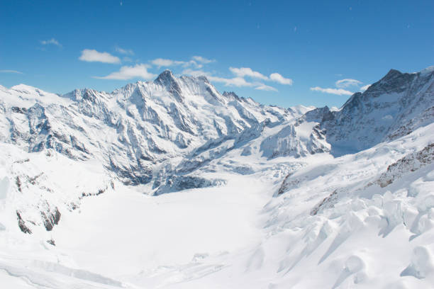 Schneebedeckte Berge der Schweizer Alpen Jungfrau, Schweiz – Foto