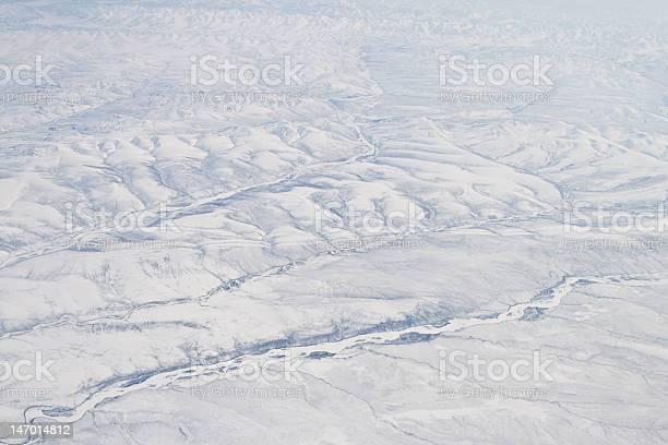 Snow Covered Verkhoyansk Montagne Olenëk Aerea Nord Della Siberia Russia - Fotografie stock e altre immagini di Acqua