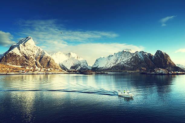 snow in Reine Village, Lofoten Islands, Norway snow in Reine Village, Lofoten Islands, Norway lofoten stock pictures, royalty-free photos & images
