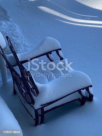 istock Snow 1293373653