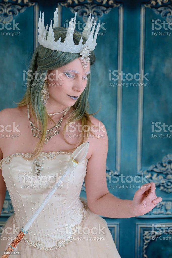 snow queen with eyes closed Lizenzfreies stock-foto