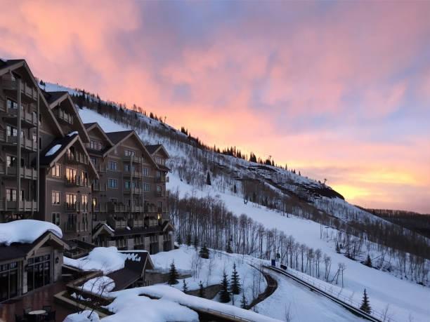 de neige resort - station de ski photos et images de collection