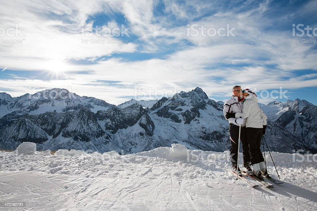 Snow Skier Couple royalty-free stock photo