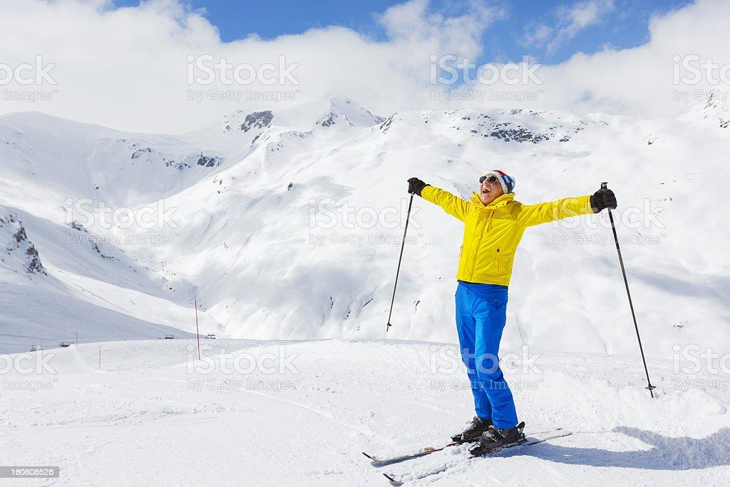 Snow Skifahrer ruhen auf der Oberseite – Foto
