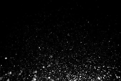 istock Snow texture on black background for overlay 881591438