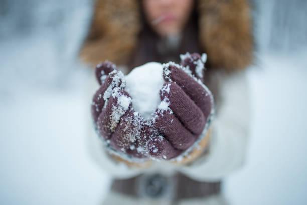 schneeball - - wintermantel damen wolle stock-fotos und bilder