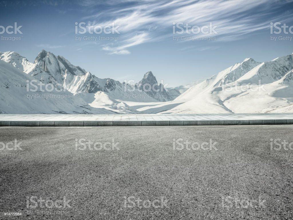 schneebedeckte Berge im Yukon, Kanada – Foto