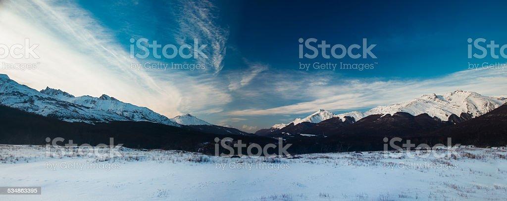 snowed valley en ushuaia patagonia, argentina - foto de stock