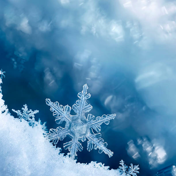 snowflake edge - ice crystal stock pictures, royalty-free photos & images