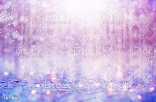 Snowflakes on an abstract shiny light background picture id1095719020?b=1&k=6&m=1095719020&s=612x612&h=6 9stkdtcd3lszjvxiqstj 7ihv8ucqfgnhnuniddgo=