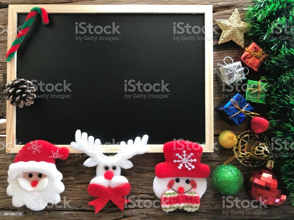 Planche En Bois Deco photo libre de droit de décoration bonhomme de neige noël et