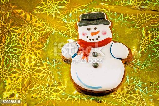 1056829102 istock photo Snowman cookie 895986318