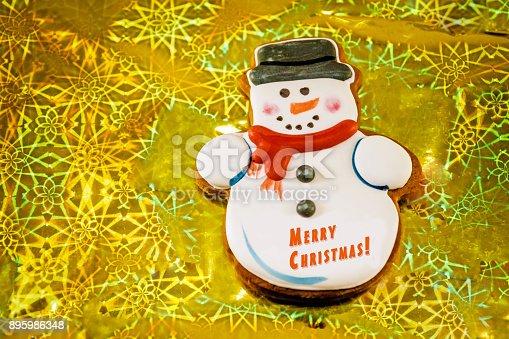 1056829102 istock photo Snowman cookie 895986348
