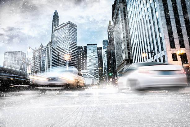 Snowy downtown streets in chicago picture id636814516?b=1&k=6&m=636814516&s=612x612&w=0&h=nmtesu7vctj98xniurdul ximyybg fxxxvijko2yay=