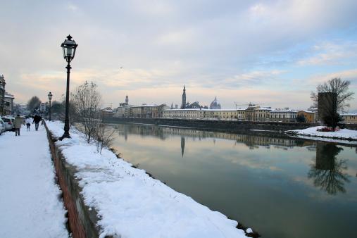Snowy Lungarno