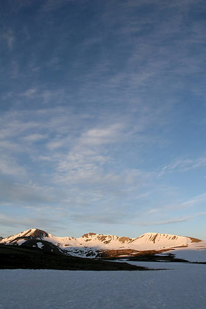 snowy mountains and sky - independence day stok fotoğraflar ve resimler