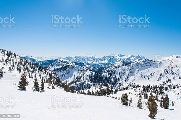 Snowy riges behind hidden peak picture id501849708?b=1&k=6&m=501849708&s=612x612&h=aky jshqzklhfcbykzg86wom9tbtpsznierkok8roru=