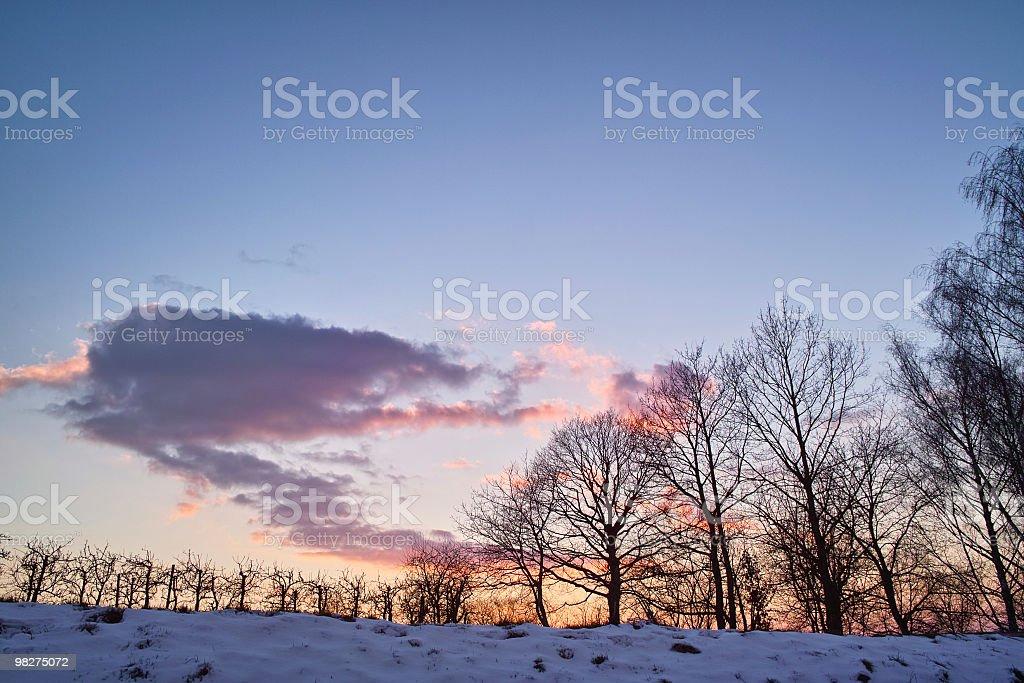 Inverno neve paesaggio con tramonto foto stock royalty-free