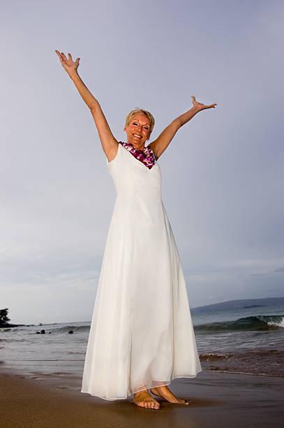so glücklich - hochzeitskleid über 50 stock-fotos und bilder